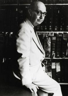 Handwritten Philip Larkin poem sells at auction for $11,500 Philip Larkin Poems, English Poets, Vintage Books, Handwriting, Auction, Penmanship, Antique Books, Hand Lettering, Hand Drawn