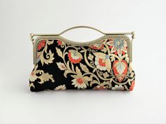 Painted Bags, Frame Purse, Kimono Fashion, Leather Tooling, Purses And Bags, Pouch, Shoulder Bag, Couture, Sewing