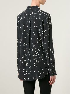 #equipment #shirts #silkshirt #prints #stars #blouses #womens #black #women'sfashion www.jofre.eu