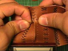 【初心者でも簡単♪】レザークラフト動画016:『革の縫い方っ!9』 - YouTube