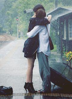 Movie: My rainy days. Titulo original: 天使の恋 Titulo (romanji): Tenshi no koi Rainy Day Movies, Rainy Days, Ulzzang Couple, Ulzzang Kids, Japanese Drama, Korean Couple, Photo Couple, Pose Reference, Couple Pictures