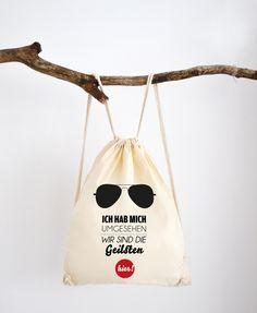 Rucksäcke - Wir sind die geilsten hier // Rucksack von Formart - ein Designerstück von Formart-Zeit-fuer-schoenes bei DaWanda