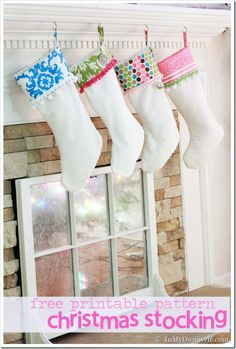 Free pattern and tutorial Merry & Bright Christmas Stockings Christmas Stocking Pattern, Christmas Sewing, Christmas Projects, Holiday Crafts, Christmas Stockings, Christmas Holidays, Christmas Stuff, Christmas Ideas, Merry Christmas