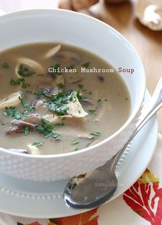 Creamy Chicken And Mushroom Soup Rainy days and soup go hand in hand. If you're a mushroom lover like me, you'll love this simple savory soup that takes less than 30 minutes from start to finish! Healthy Soup Recipes, Ww Recipes, Skinny Recipes, Cooking Recipes, Skinnytaste Recipes, Light Recipes, Savoury Recipes, Creamy Mushroom Soup, Mushroom Chicken