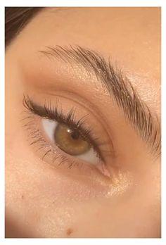 Eyebrow Makeup, Skin Makeup, Eyeshadow Makeup, Makeup Eyebrows, Makeup Brushes, Natural Eyeshadow Looks, Makeup Eye Looks, Natural Lips, Makeup Ideas