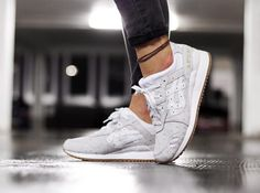 asics blanche rose