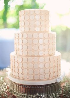 Weddbook ♥ Modern Pale pink fondant wedding cakes with button details. 3 tier wedding cake with silver cake stand stand tier pink pale fondant Pretty Cakes, Beautiful Cakes, Simply Beautiful, Polka Dot Cakes, Polka Dots, Pale Pink Weddings, Polka Dot Wedding, Modern Cakes, Ganache