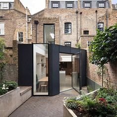 Industrial setting informs robust palette of Fraher Architects' Signal House - Architecture Victorian Terrace House, Victorian Buildings, Edwardian House, New Architecture, Beautiful Architecture, Architects London, London House, House Extensions, Prefab Homes