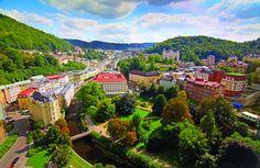 Karlovy Vary, un nume ce pare compus pe portativ si pe care nu il poti uita! Republica Ceha este recunoscuta in lume pentru orasele sale splendide si pentru statiunile balneare cu ape minerale miraculoase. Karlovy Vary este unul dintre acele locuri faimoase din Europa.