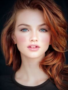 Maintaining red hair can be a challenge, for both natural and dyed redheads alike. With that in mind, here are some of the best hair products for redheads, recommended by professional colorists! Beautiful Red Hair, Gorgeous Redhead, Beautiful Eyes, Beautiful Girls Face, Beautiful Women, Most Beautiful Faces, Pretty Face, Red Hair Woman, Girls With Red Hair