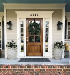 75 Rustic Farmhouse Front Porches Decorations IdeasYou can find Front doors and more on our Rustic Farmhouse Front Porches Decorations Ideas Front Door Design, Front Door Colors, Front Door Decor, Front Door Makeover, Front Porch Decorations, Diy Front Porch Ideas, Fromt Porch Ideas, Front Porch Garden, Front Porch Plants