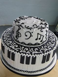 Music cake - I don't know when I would ever have a purpose to have a cake like this but it sure is pretty!