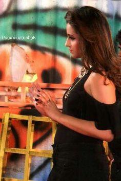 Garjanai song shooting spot - Actress Trisha krishnan