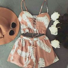 I love everything about this summer outfit. Lovely Summer Fresh Looking Outfit. The Best of casual outfits in - Luxe Fashion New Trends Gossip Girl Fashion, Look Fashion, Teen Fashion, Fashion Outfits, Womens Fashion, Fashion Trends, Cute Summer Outfits, Spring Outfits, Trendy Outfits