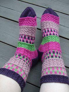 52ppVII #10 Flørtende FøtterE Knit Socks, Knitting Socks, Marimekko Fabric, Bunt, Mittens, Modern, Pattern, Inspiration, Color