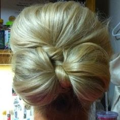 @daniellarichardson flower girl hair ideas.... I want them to have something more like this