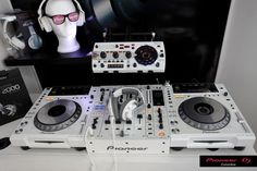 Cdj 850 with djm 850 with hdj 2000 comes with new ways in which you can express yourself
