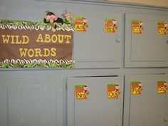 Jungle Word Wall, using a jungle theme for my class! :)