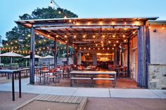 Welcome to Contigo, an East Austin restaurant modeled after our family's Texas ranch. Enjoy cold drinks and fresh, quality bar food on our patio. Outdoor Cafe, Rustic Outdoor, Outdoor Dining, Outdoor Rooms, Outdoor Restaurant Design, Rustic Restaurant, Coffee Shop Design, Cafe Design, Brewery Design