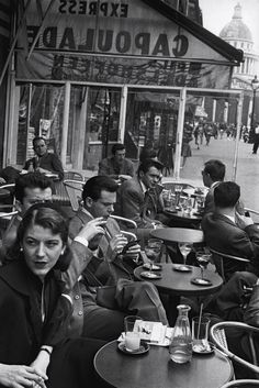 Cafe Capoulade, Paris, photo by Inge Morath Robert Doisneau, Vintage Paris, Old Paris, Vintage Cafe, Vintage Photographs, Vintage Photos, Inge Morath, Paris Cafe, I Love Paris