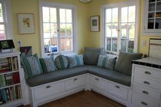 Well fitted corner bench with drawers