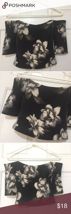 Floral Off Shoulder Crop Top Size small. Brand new with tag. Also available in black Tops Crop Tops