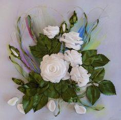 Белые розы. Вышивка лентами.