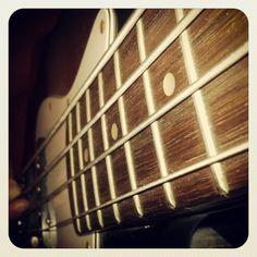 Riffeando con el Jazz Bass