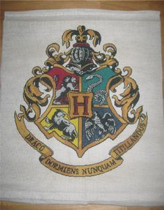 Hogwarts Crest - Cross Stitch by ~coliescutecrafts on deviantART