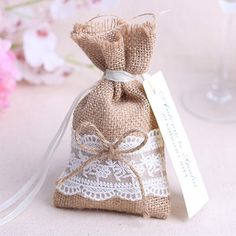 2015 new year wedding candy bag with DIY kraft tag/ burlap pouch/ Lace burlap sack/Rustic party Decorations Rustic Wedding Favors, Wedding Favor Bags, Wedding Candy, Wedding Party Favors, Wedding Centerpieces, Wedding Gifts, Lace Wedding, Jute, Rustic Wedding Backdrops