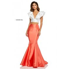 Ivory orange two piece sherri hill dress with mermaid skirt style 52747 Orange Prom Dresses, Grad Dresses Short, Evening Gowns With Sleeves, Prom Dresses With Sleeves, Sherri Hill Prom Dresses, Prom Dress Stores, Look Fashion, Skirt Fashion, Robes D'occasion