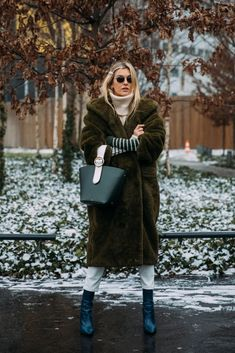 See Every Unforgettable Street Style Outfit From Paris Fashion Week Right Here, Right Now Street Style Trends, Casual Street Style, Street Chic, Fashion Week, Winter Fashion, Fashion Trends, Paris Fashion, Fashion Ideas, Fashion Pictures