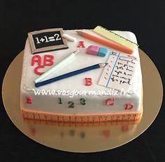 Gâteau Ecole Teacher Birthday Cake, Teachers Day Cake, Teacher Cakes, Cupcakes, Cupcake Cakes, Farewell Cake, Button Cake, Cake Models, School Cake