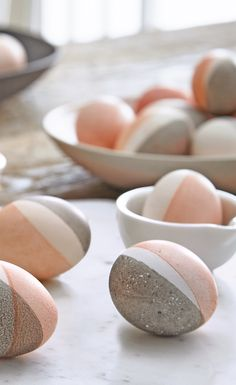 These contemporary Easter eggs are accented with pale pink and decorated using avocados. Image, Michael Nangreaves | Producer, Andrea McCrindle | Food styling, Michelle Rabin #diy #easter #eastereggs