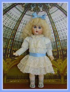 """Fleur de Lys, Première Bleuette repro by Leslie Perkumas, wearing """"Robe habillée"""", LSDS 1909 Inma's Doll Collection BLEUETTE"""