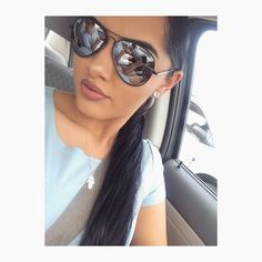 Some mirrored aviators to block out all the shade! always stunning! Style is Cute Sunglasses, Sunglasses Women, Flawless Makeup, Beauty Makeup, Karla Jara, Mirrored Aviators, Make Up, Shades, Instagram Posts