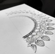 Indian Jewellery Design, Indian Jewelry, Diamond Jewelry, Gold Jewelry, Jewelry Design Drawing, Jewelry Illustration, Jewellery Sketches, Pendant Design, Antique Earrings