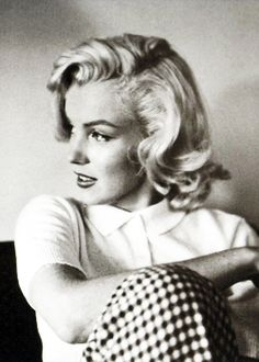 Marilyn Monroe <3 one of my fave pics!