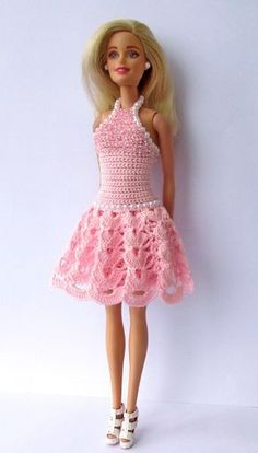 Afbeeldingsresultaat voor free crochet doll costumes for barbie dolls Photo (inspiration - it's so lovely! This is photo only. Crochet Barbie Patterns, Crochet Doll Dress, Barbie Clothes Patterns, Crochet Barbie Clothes, Dress Patterns, Barbie Dress, Barbie Doll, Doll Costume, Crochet Fashion