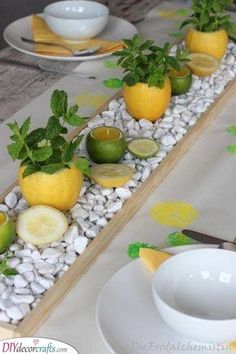 Lemon-mint table decoration-Zitronen-Minz Tischdeko Fruity, fresh summer table decoration … What great, fresh colors … this yellow and green combined with white … it will be just as pleasant on hot summer days (when they are … - Summer Table Decorations, Wedding Decorations On A Budget, Wedding Table Centerpieces, Wedding Table Settings, Flower Centerpieces, Wedding Ideas, Centerpiece Ideas, Decor Wedding, Wedding Inspiration