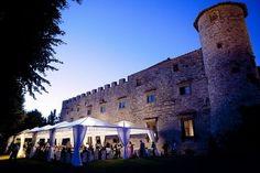http://www.lemienozze.it/operatori-matrimonio/luoghi_per_il_ricevimento/castelli-per-matrimoni-toscana/media/foto/1  Il castello è sicuramente una location matrimoni fra le più ricercate e ambite per vivere una fiaba ad occhi aperti il giorno delle nozze!