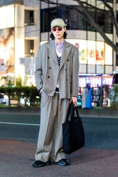 The Best Street Style From Tokyo Fashion Week Fall 2018 Asian Street Style, Tokyo Street Style, Japanese Street Fashion, Tokyo Fashion, Harajuku Fashion, Cool Street Fashion, Korean Fashion, London Street, Casual Winter Outfits