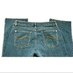 "Apt 9 Denim BootCut Jeans Sz 8 Embroidered Pockets Low Rise Bootcut Machine washable   MEASUREMENTS: (taken flat)  INSEAM : 32""  WAIST: 33""  RISE: 9""  BOTTOM LEG HEM: 9"" very slight wear on bottom hem from drag  They have no rips, tears,or stains  (J18) Apt. 9 Jeans Boot Cut"