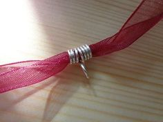 Free Tutorial - Simple Wire Bail for Ribbon and Cord Necklaces