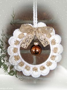 Handmade by Ann - With love: KersthangerHandmade - crochet Christmas decoration - with heart in the center for valentine day - with egg for Easter - shabby chicThe Englisch pattern will be available as soon as possibleRavelry is a community site, an Crochet Christmas Wreath, Crochet Wreath, Crochet Christmas Decorations, Crochet Ornaments, Crochet Decoration, Christmas Crochet Patterns, Holiday Crochet, Crochet Snowflakes, Crochet Crafts