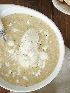 Κοτόσουπα με τραχανά και φέτα - www.olivemagazine.gr Greek Cooking, Greek Recipes, Hummus, Recipies, Food And Drink, Menu, Pudding, Pasta, Healthy Recipes