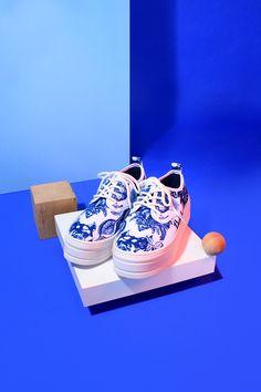 https://www.behance.net/gallery/24233841/Electric-blue-shoes-ASAP-PARIS © Clémence Dubois & Anaïs Deschamps