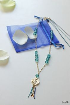 52a12c4aa81 Sautoir doré bleu marine canard filigrane oriental chaine mailles dorées  fil de jade perles   Collier