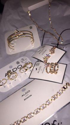 Silver Earrings For Women Bling Bling, Cute Jewelry, Jewelry Accessories, Aldo Jewelry, Glass Jewelry, Jewelry Rings, Fashion Accessories, Pinterest Jewelry, Accesorios Casual