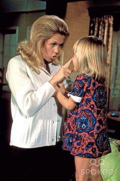 Elizabeth Montgomery in Bewitched (TV Series 1964–1972)